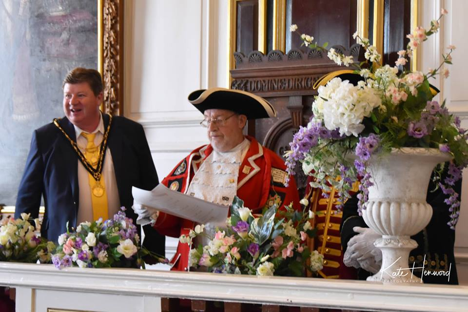 Mayor receives Charter from the Guild